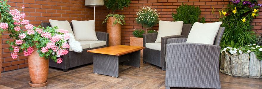 Le mobilier de jardin occupe une place prépondérante tous les étés en extérieur. Quels critères faut-il privilégier pour choisir un ensemble harmonieux ?